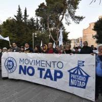 Gasdotto, tentano di forzare la zona rossa del cantiere Tap: gli attivisti