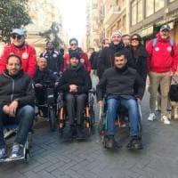 Barriere architettoniche a Bari, sindaco e assessore girano la città in carrozzina