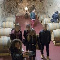 Lecce, la degustazione al buio dei liceali nella serata di beneficenza per