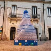 Otranto, l'albero di Natale con 4mila bottiglie di plastica