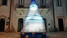 L'albero di Natale con 4mila bottiglie