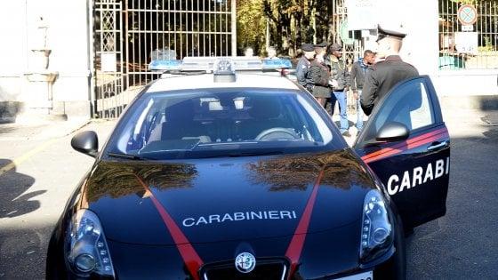 Lecce, picchiava da tempo la figlia minorenne: lei chiama i carabinieri e lo fa denunciare