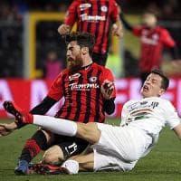 Calcio, Foggia-Venezia finisce in rissa: lite fra presidenti in tribuna