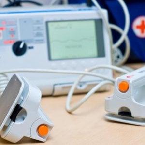 Bari, 60 defibrillatori in arrivo nelle scuole comunali: investiti 110mila euro