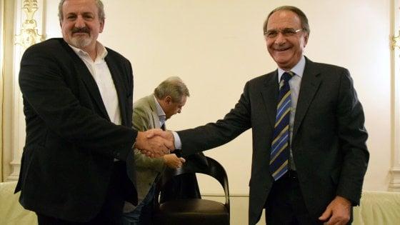 Bari, Emiliano e Di Cagno Abbrescia a braccetto: da acerrimi nemici, a carissimi amici