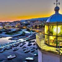 Manfredonia riaccende il suo faro: luce sulla città