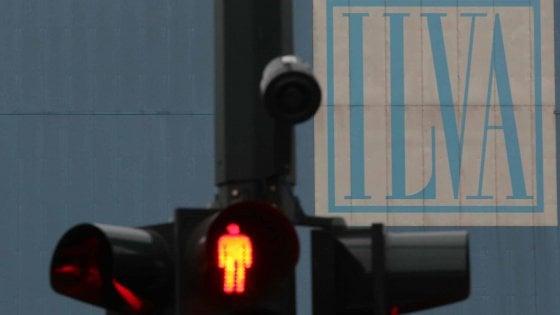 """Taranto, il sindaco apre sull'Ilva: """"Accordo di programma per superare il ricorso al Tar"""""""