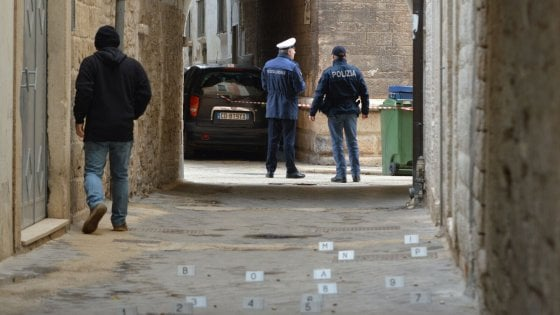 """Passante uccisa a Bitonto, il 20enne nega di averla usata come scudo: """"Pensavo fossero petardi"""""""