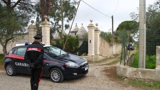 Taranto, uomo trovato morto in casa con la gola tagliata
