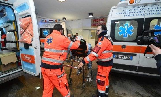 Bari, finisce contro una vetrata della sua abitazione: madre ventenne muore dissanguata