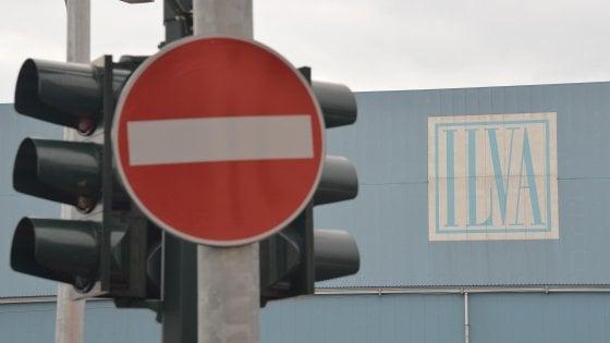 """Ilva, coro di no a Taranto contro l'iniziativa della Provincia: """"Il ricorso non va ritirato"""""""