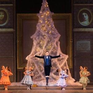 Danza, Alessio Rezza primo ballerino dell'Opera di Roma: la sua Modugno lo premia