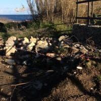 Otranto, scoperta una discarica di rifiuti pericolosi sopra la grotta dei