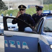 Foggia, in tre sequestrano autista tir: dopo la rapina lo abbandonano in
