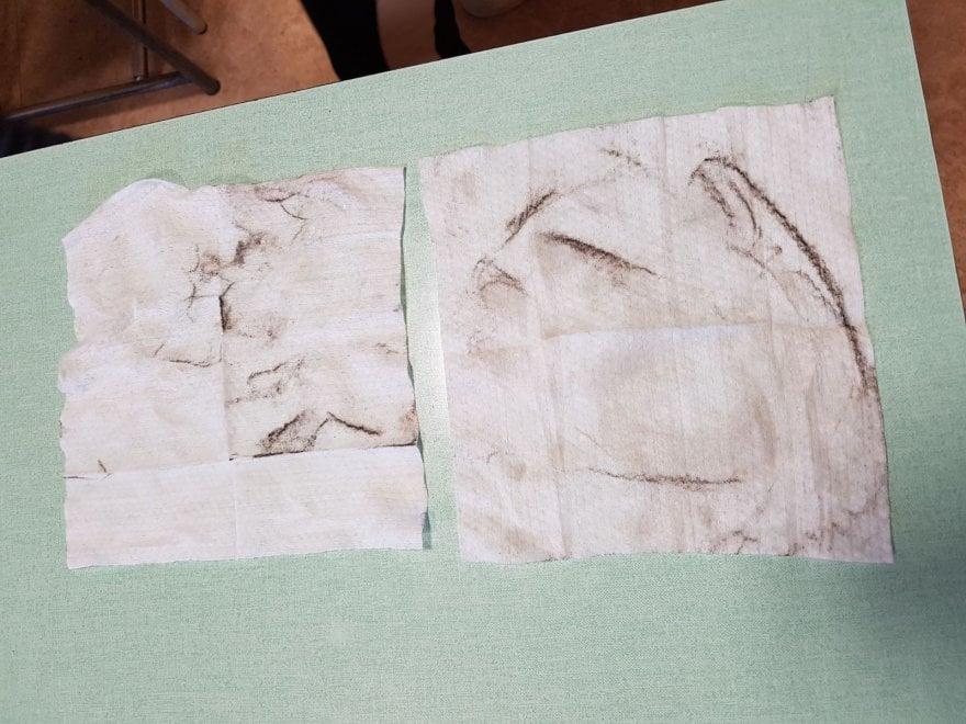 Taranto, polvere dell'Ilva sui banchi: i bambini puliscono