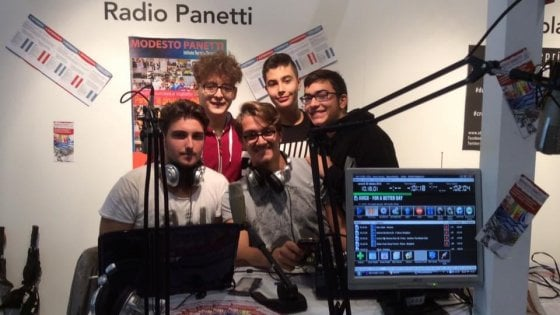 """Bari, Radio Panetti commuove la Siae: """"Fate educazione, vi condoniamo il contributo sul diritto d'autore"""""""