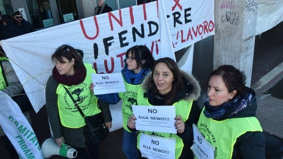 Bari, protesta contro il nuovo inceneritore voluto dalla Regione