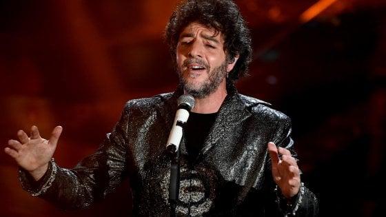 Sanremo 2018, Gazzè canta Pizzomunno: Vieste gli dà la cittadinanza onoraria
