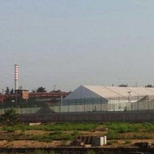 Taranto, 14 migranti minorenni trattenuti nell'hotspot: la Corte europea chiede chiarimenti