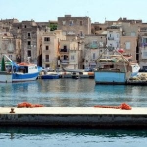 Taranto, cade dalla barca durante la regata: annega velista 59enne