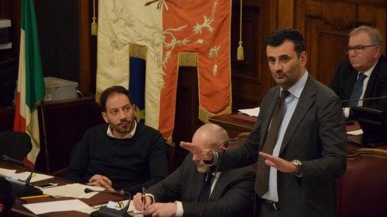 Bari, in Consiglio comunale non c'è il numero legale: salta il no all'inceneritore