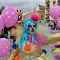Manfredonia, la sfilata di carnevale con la madrina Leotta