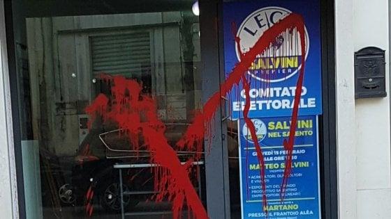 Salento, vandalizzato il comitato elettorale di Salvini alla vigilia del tour in Puglia
