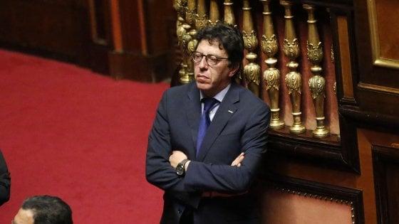 """Rimborsopoli M5s, Buccarella ammette: """"3mila euro al mese non bastavano per fare il parlamentare"""""""