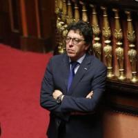 """Rimborsopoli M5s, Buccarella ammette: """"3mila euro al mese non bastavano per fare il..."""