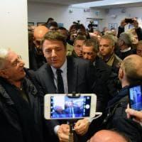 Bari, le mani tese di Renzi a Emiliano: