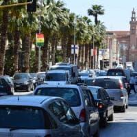 Inquinamento, a Bari migliora la qualità dell'aria e si cammina di più: