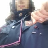 Taranto, accoltella al petto  una poliziotta: si salva grazie  al cellulare nel taschino