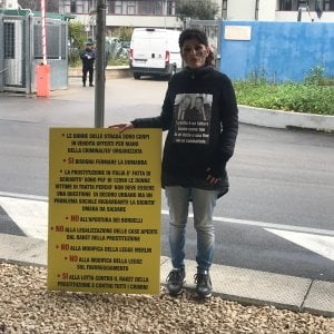 """Bari, l'appello ai pm di una donna vittima di tratta: """"No alla modifica della legge Merlin"""""""