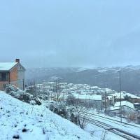 Arriva la neve in Puglia, imbiancati i boschi di Faeto