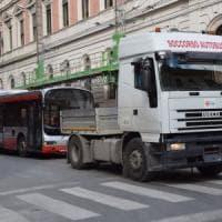 Bari, in tilt altri due bus dell'Amtab. Il sindaco: