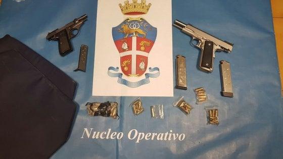 Bari, i carabinieri interrompono summit criminale a Japigia: 2 pistole sequestrate