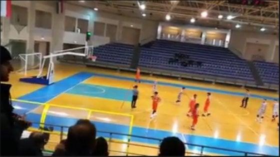 Basket, troppo costosa la finale in trasferta: le squadre giocano per perdere