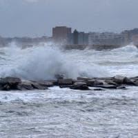 Maltempo, in Puglia allerta per il Buran: neve e gelo per 3 giorni. A Bari percepiti  -9 gradi