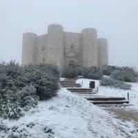 Andria, lo spettacolo della neve a Castel del Monte