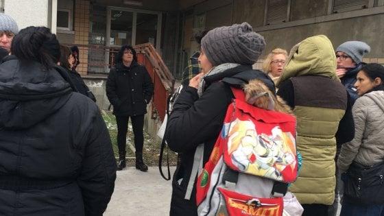 """Brindisi, i figli saltano la scuola: 78 genitori denunciati per """"Inosservanza obbligo scalastico"""""""