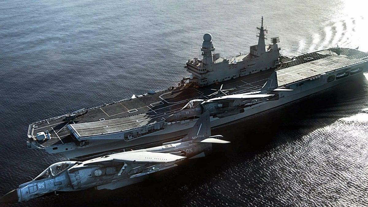 La portaerei cavour torna a bari 2 giorni di visite - Cavour portaerei ...