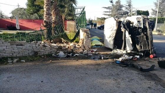Incidenti, scontro sulla provinciale per Corato: due morti