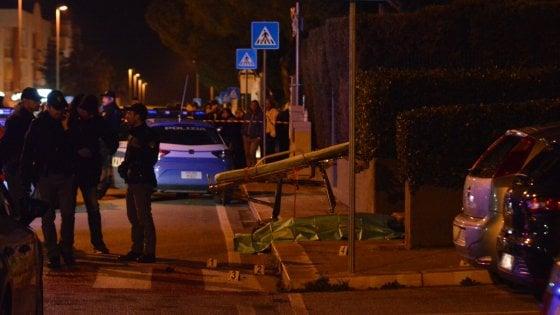 Bari, sparatoria in pieno giorno a Catino: ucciso un pregiudicato, picchiata la cognata