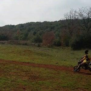 Bari, motocross su una pista abusiva nel parco dell'Alta Murgia: denunciato 24enne