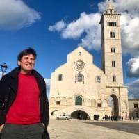 """Gianni Morandi stregato dalla cattedrale di Trani: """"Quella volta qui con Lucio Dalla"""""""