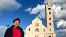 Gianni Morandi stregato dalla cattedrale di Trani: