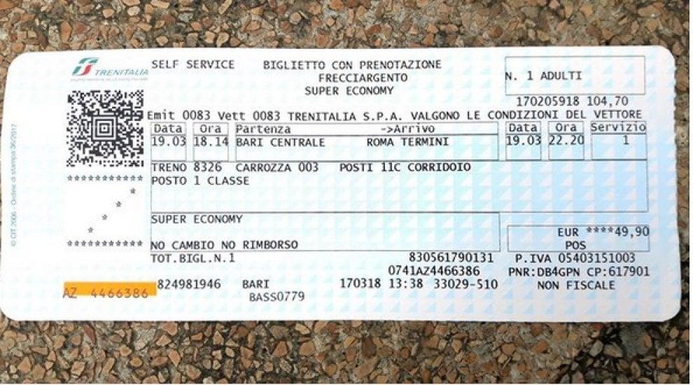 """M5s, gaffe social della neodeputata: """"Viaggio in economy"""". Ma il biglietto è di prima classe"""