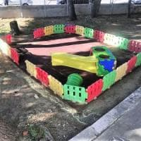 Bari, vandali distruggono il giardino della scuola. La preside: