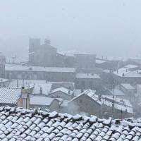 Primavera con la neve in Puglia: Faeto è imbiancata