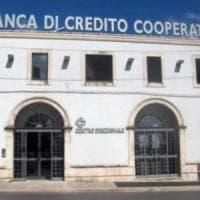 Banca d'Otranto, tra i 10 indagati anche un sindaco: